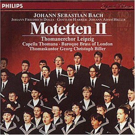 Thomanerchor Leipzig in Konzertkleidung auf rotem CD Cover.